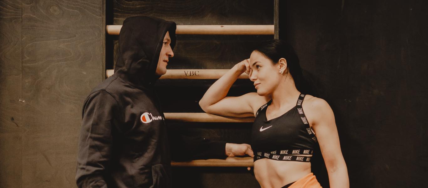 Amin asikainen ja nadia Ammouri päällään Champion ja Nike vaatteita