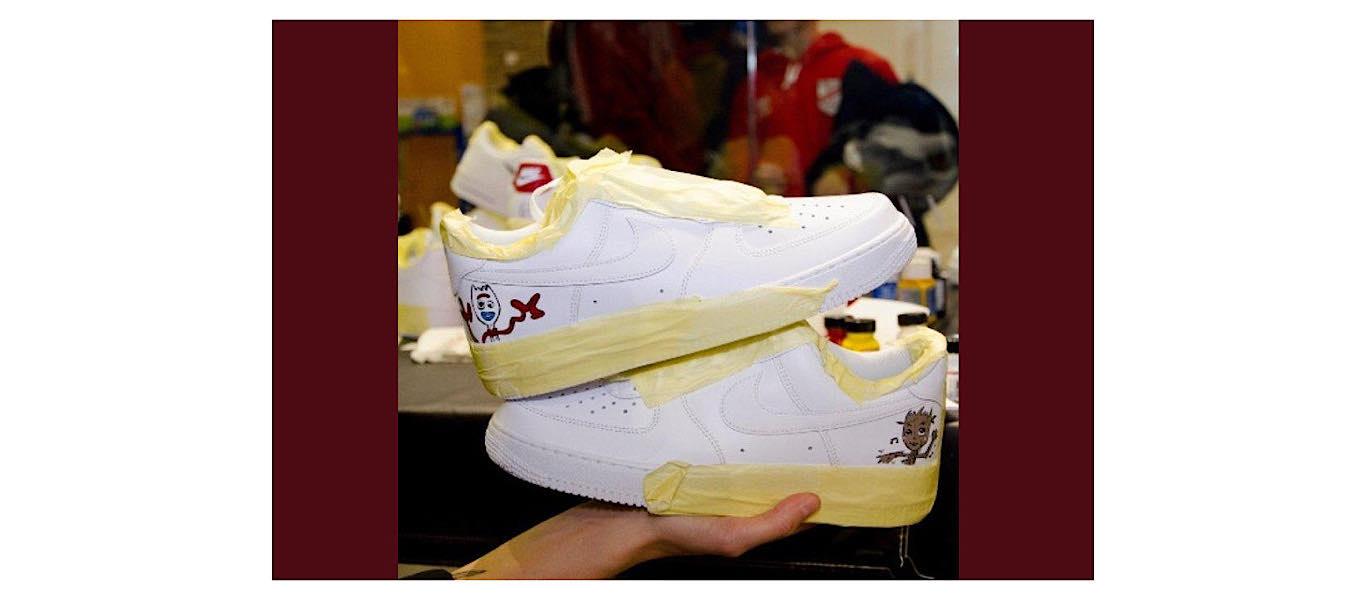 Kustomoi sneakerit